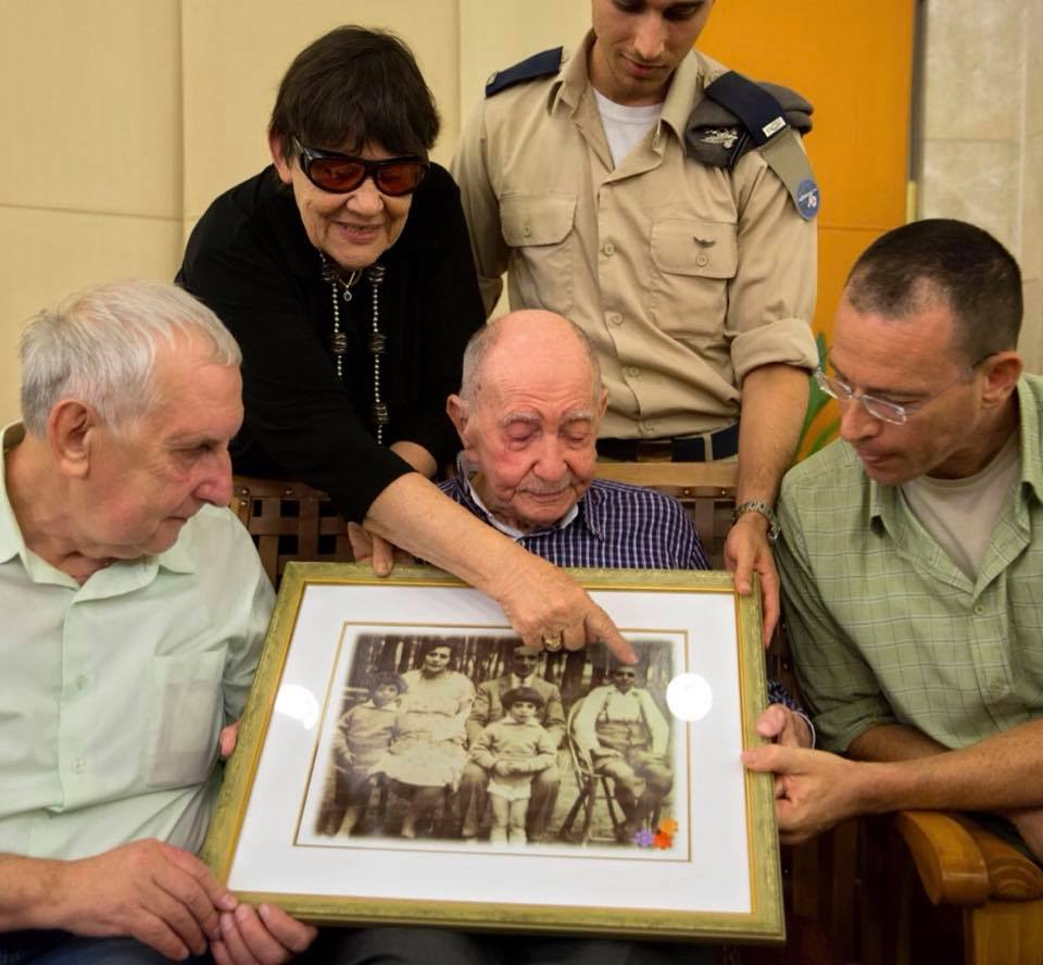 23658656 2093735210854296 8472010103668020581 n - Holocaust Survivor Meets Family After Thinking They All Died in Camp