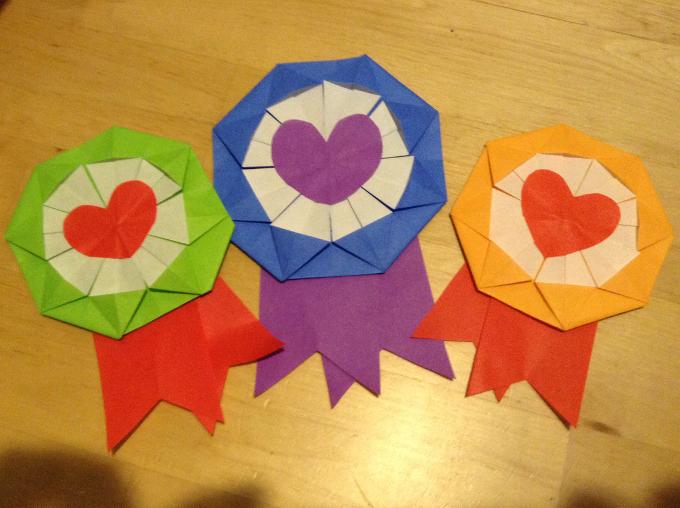 4 420 - 簡単にできる!折り紙のメダルの作り方