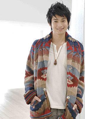 5a28a3320bb33 popular mukai osamu fashion  - 大人気向井理さんのファッション