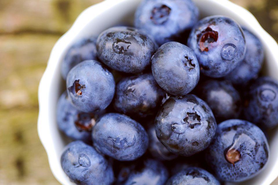 blueberriesx 56a495273df78cf772831b99 - 8 razones que te harán comer más arándanos