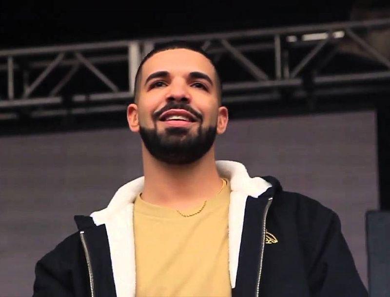 drake en toronto - El cantante Drake detiene su concierto para enfrentar a un acosador de mujeres