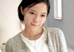 e5aeaee5b48ee38182e3818ae38184 300x212 - 大女優に変貌を遂げた宮崎あおいのグラビア時代