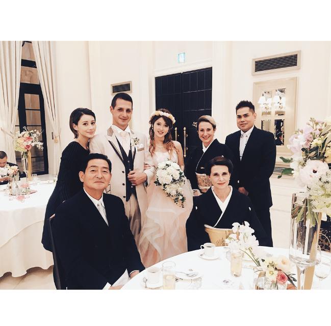 img 5a26b98ae0949 - ダレノガレ明美【家族最強説】兄の結婚式写真が話題に!