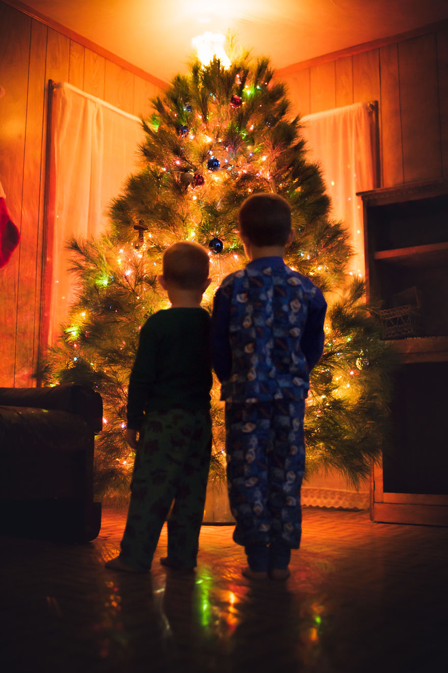img 5a29faf89b373 - 有攝影師老爸就是威:普通的聖誕節裝飾變得超夢幻!