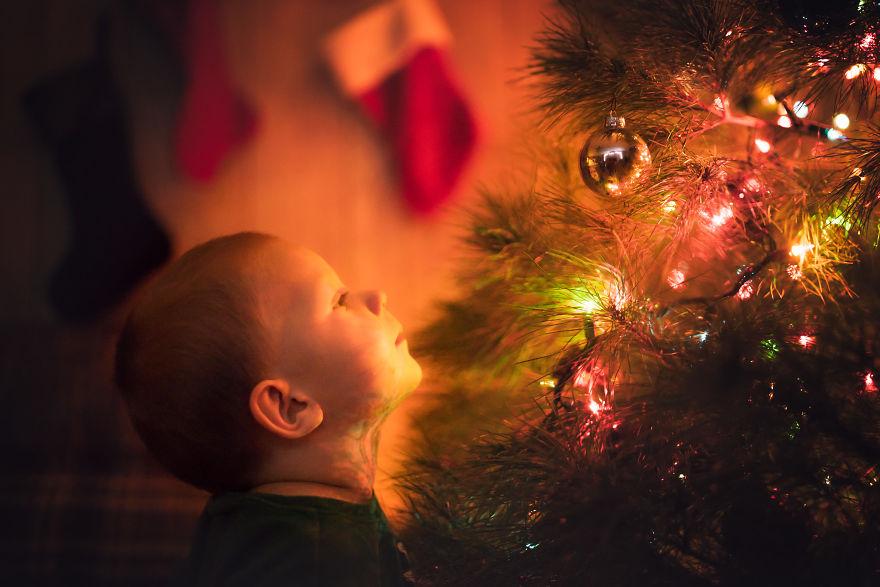 img 5a29fb1949c95 - 有攝影師老爸就是威:普通的聖誕節裝飾變得超夢幻!