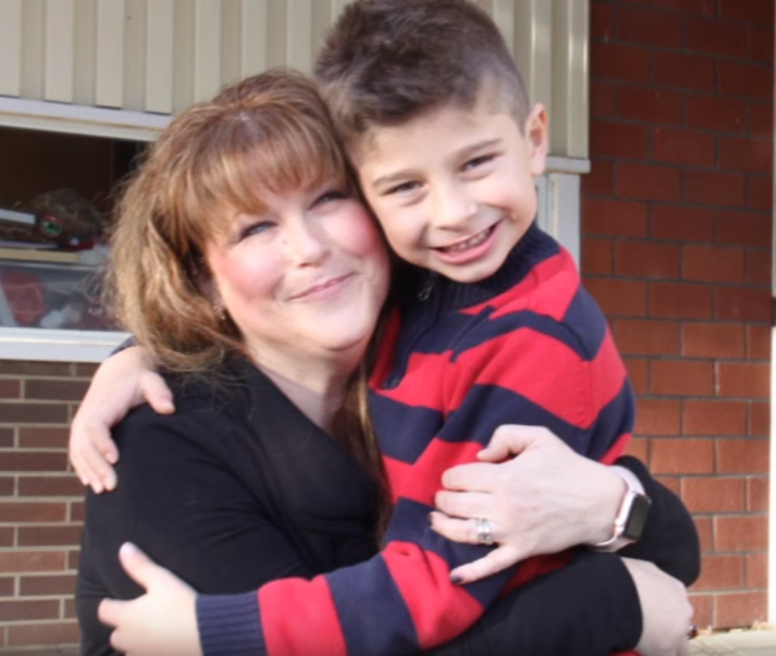 juice1 - Menino de 6 anos salvou sua mãe com uma caixa de suco depois que ela colapsou no chão