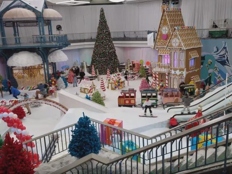 mall5 - Shopping abandonado é transformado em parque de diversões na neve para crianças carentes
