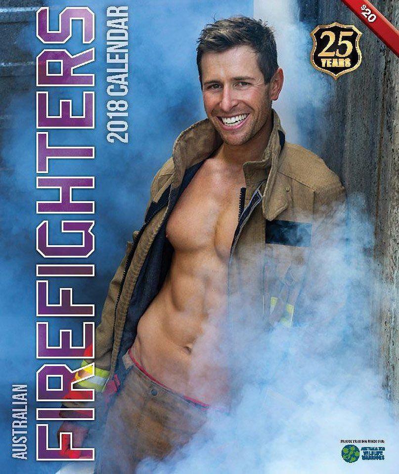 steemit - Des pompiers et des animaux posent dans ce calendrier pour la bonne cause