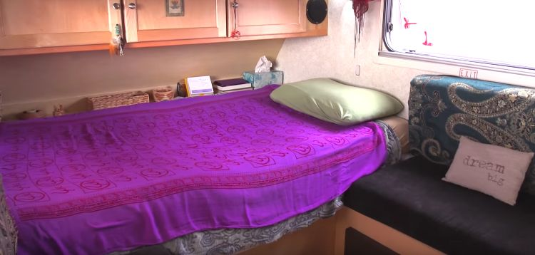 woman enjoying a nomadic life 5 - Woman Living In A Tiny Trailer, Wonder How Functional It Is?