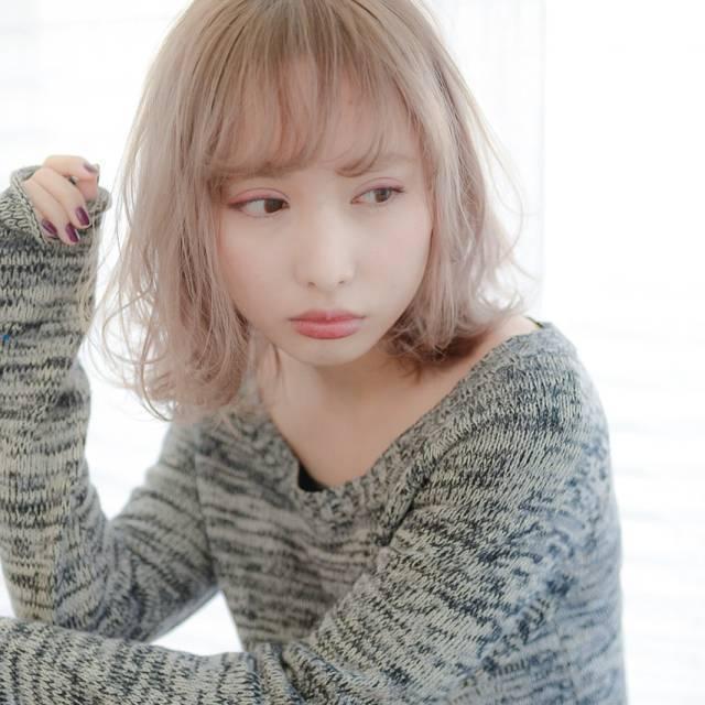 xlarge 9f36379c f9ef 4cbb b65b b8e5aa672418 - 可愛くなれる人気のミルクティーカラーに髪色を変えてみませんか?