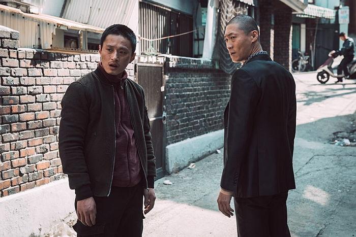 1 202 - '범죄도시' 감독이 톱스타 거절하고 '무명배우' 선택한 이유 (영상)