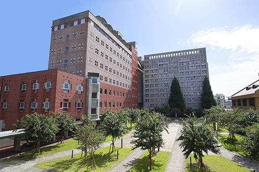 2 153 - 中島健人さんが通っている大学はどこ?