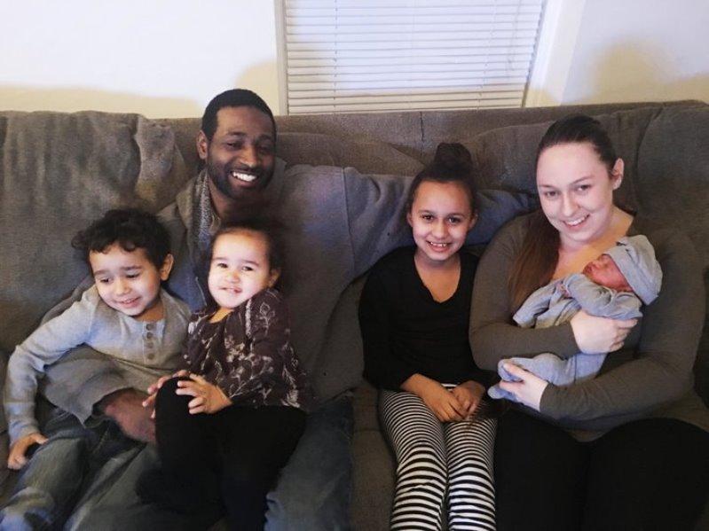 austin2 - Un padre de New Hampshire es despedido por asistir al nacimiento de su hijo