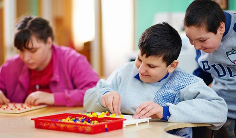 autism - TGI Fridays Says 'SUPERHERO' Discount On Receipt