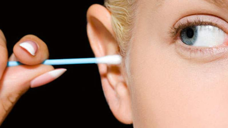 ears1 - Eliminate Earwax And Treat Ear Infections With This Two-Ingredient Mixture