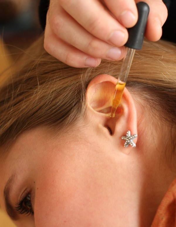 ears3 - Eliminate Earwax And Treat Ear Infections With This Two-Ingredient Mixture