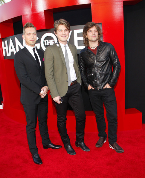 hanson5 - Years Later, the Hanson Brothers Have Grown into Elegant Dads with a Dozen Kids between Them