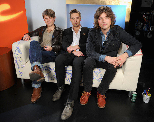 hanson7 - Years Later, the Hanson Brothers Have Grown into Elegant Dads with a Dozen Kids between Them