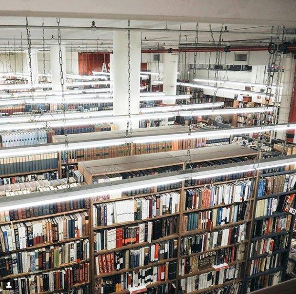 img 5a5685fd83ea6 - 旅行時不喜歡上山下海? 12間必訪世界最大文青書店讓你流連忘返