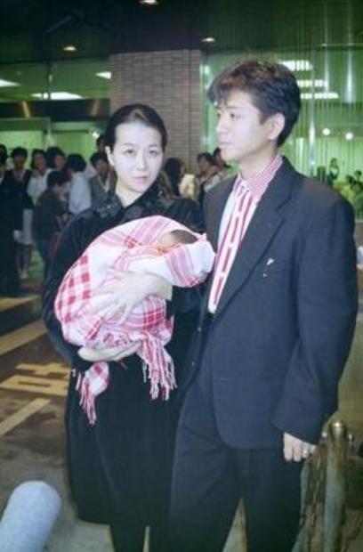 img 5a575eba91f62 - 藤井フミヤの奥さんはどんな人?おしどり夫婦の秘密とは?