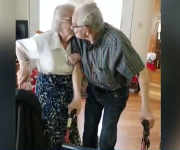 Une maison de retraite sépare un couple après 73 ans de vie commune… Leur fille exprime sa colère!