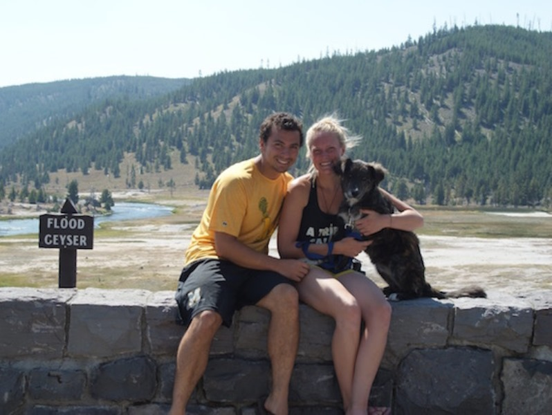 montana5 - Couple Takes A Road Trip And Finds Stray Dog Lying Beside Their Car