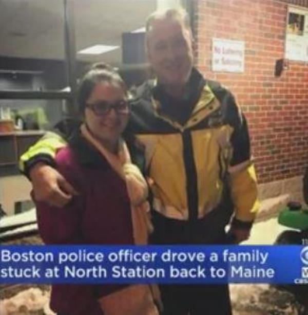 """policetrain1 - Un policía le dice a una familia varada que se metan en su todoterreno y luego les dice que los está """"secuestrando legalmente"""""""
