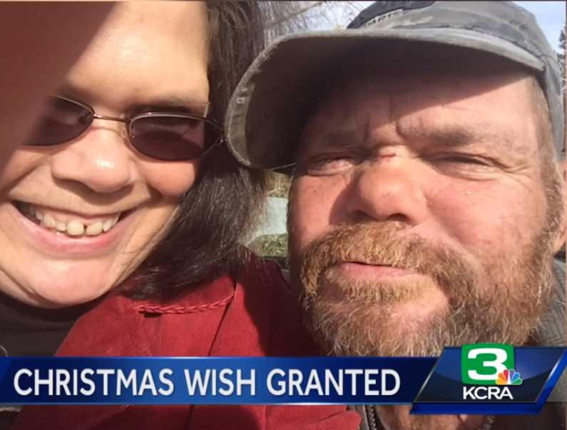 revak2 - Woman Asks Homeless Man What He Wanted For Christmas, He Covers His Face And Cries