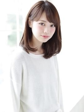 semilong02 thumbnail2 - 髪型にも流行りがある?!2018年に流行するヘアスタイルは?【レディース】