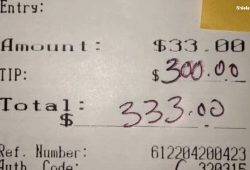 shiela5 - Bartender Grandma Tells Customers About Triplet Grandsons, Couple Nearby Leaves Note On Receipt
