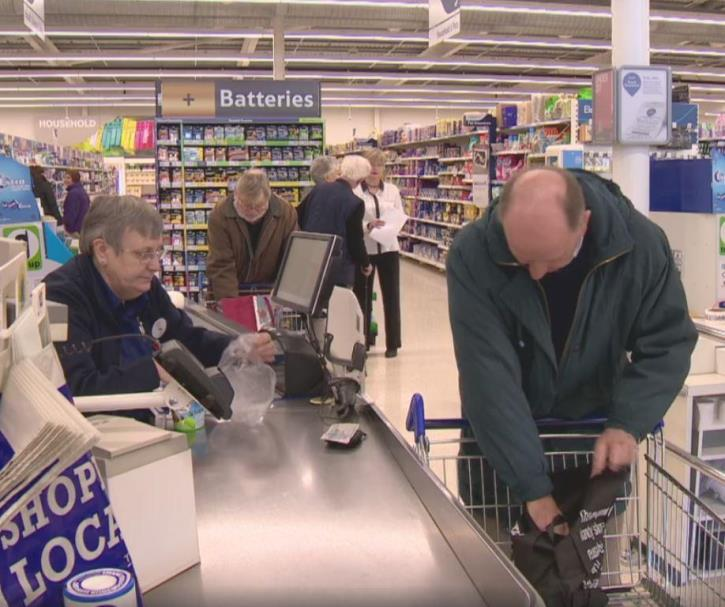 tesco5 - RELAXED CHECKOUT: Customers Left Speechless After Reading A Sign While Unpleasantly Waiting In Line