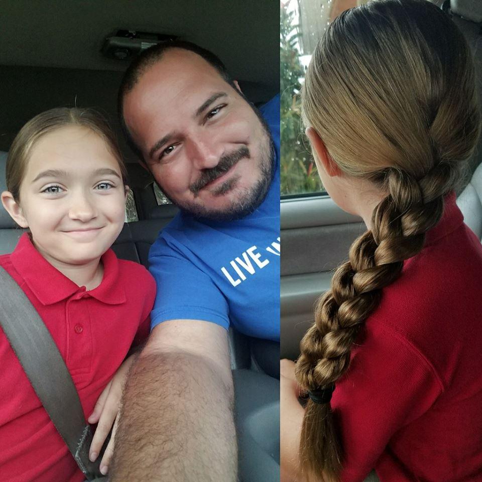 21078482 2343606812532093 7211756566985778929 n - Padre soltero aprende a peinar a su hija con estilo y pone su escuela para que otros papás aprendan