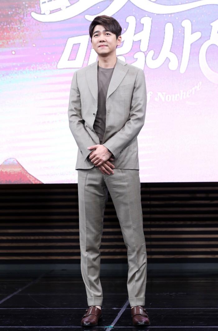"""24 2 - """"남다른 기럭지""""…185cm 이상 장신 남자 연예인 30인"""
