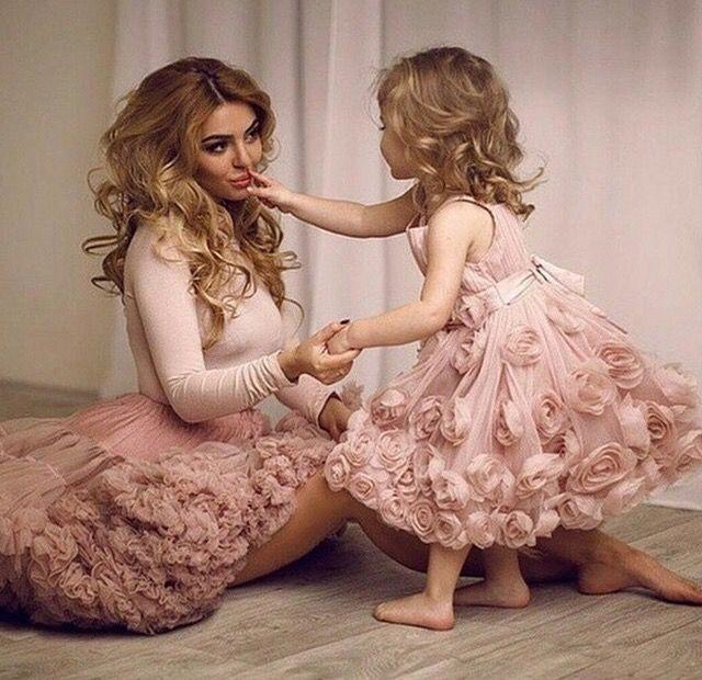 bf1a57f37237e9d73cebff8df7090e98-mother-daughter-photos-mother-daughters