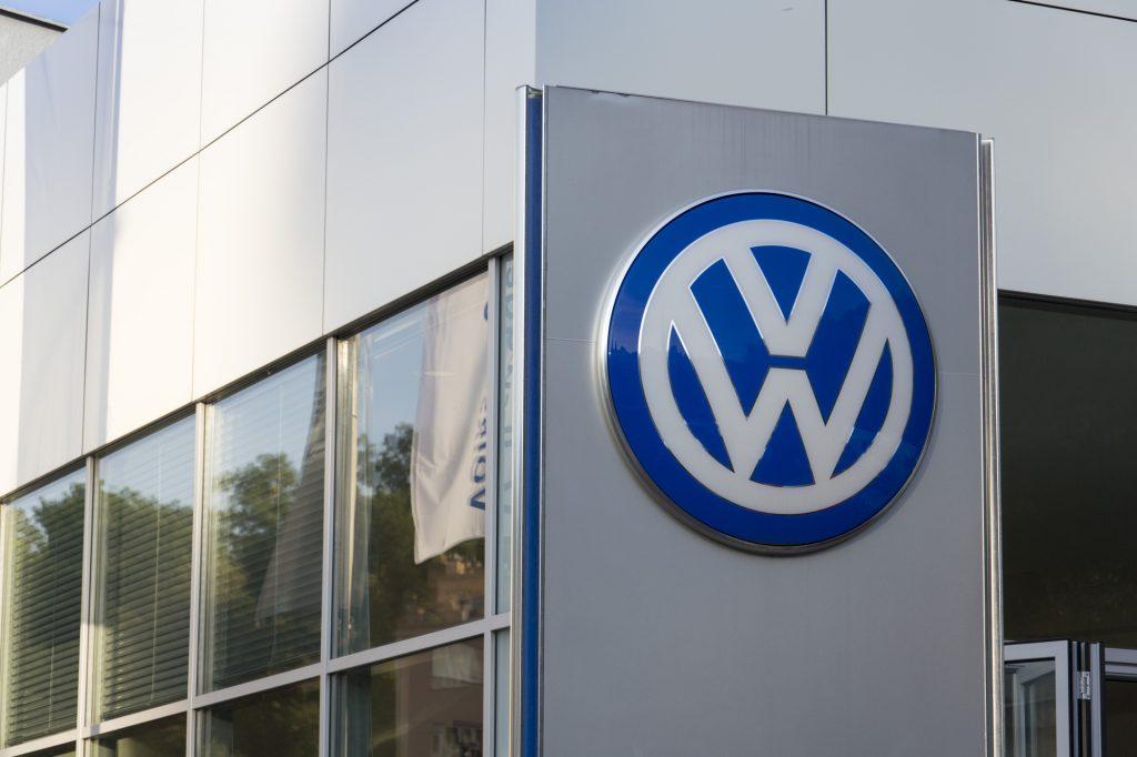 depositphotos 84632112 l 2015 1024x682 - Volkswagen s'excuse pour ses tests de pollution sur des singes