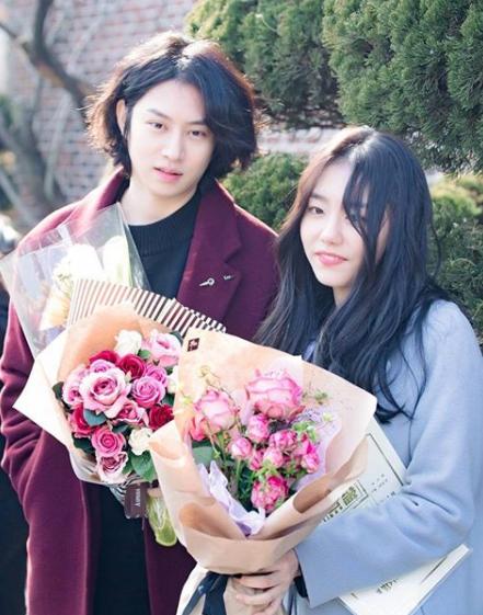 img 5a7beab8087f2 - 의리의 김희철, IOI 김소혜 졸업식에 깜짝 등장!