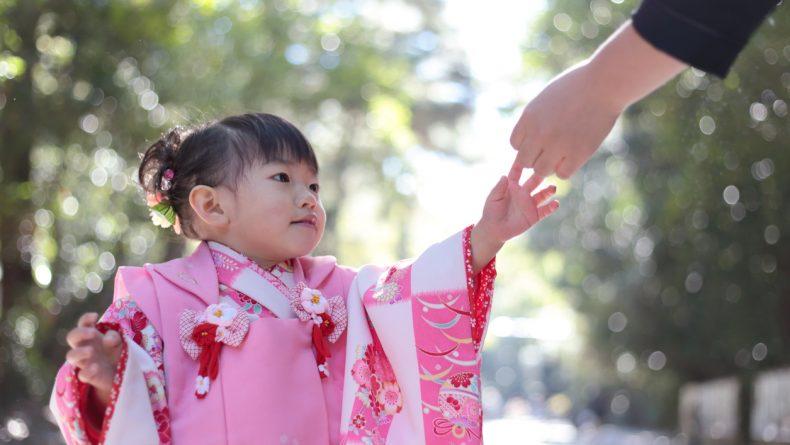 istock 498999668 790x445 - Razones por la que los niños japoneses no hacen tantos berrinches y son más obedientes con los mayores