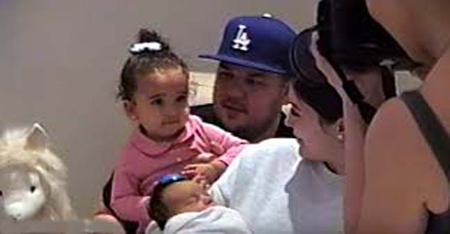 kylie likewise poses for images with child chicago and bro rob kardashian dream kardashian - Kim Kardashian's New Infant Chicago Makes Her Debut In Auntie Kylie Jenner's Pregnancy Video
