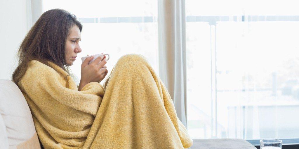 o woman feeling cold facebook 1024x512 1024x512 - Por que as mulheres sentem mais frio que os homens, afinal?