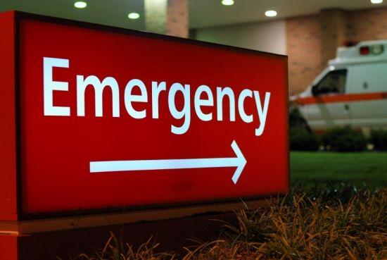q3 6 - 중국 버스기사, 영하날씨에 맨발로 아픈 아기 안고 뛰어나온 아빠 응급실 데려다줘