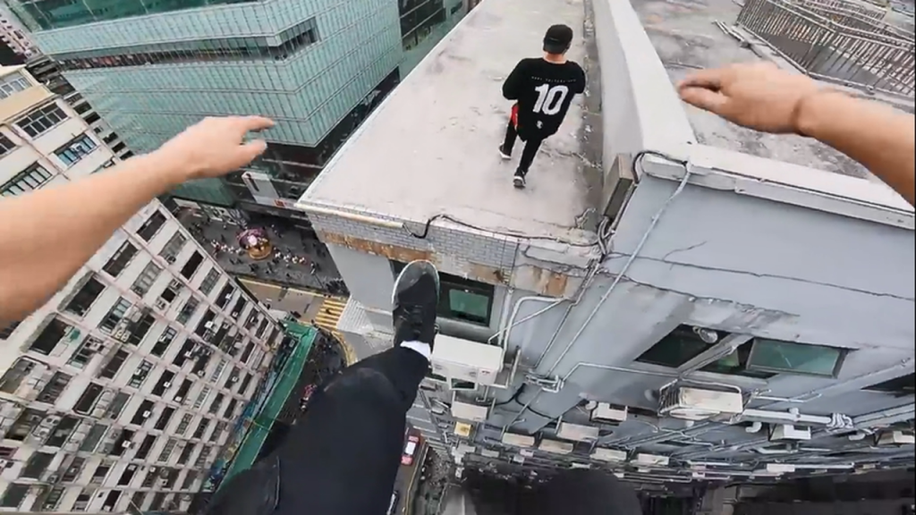 rooftop-pov-escape-from-hong-kong-security-%f0%9f%87%ad%f0%9f%87%b0-mp4_20180213_155348-619