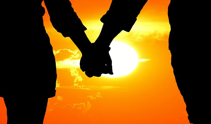 Pixabay - 연인이 손을 맞잡은 모습