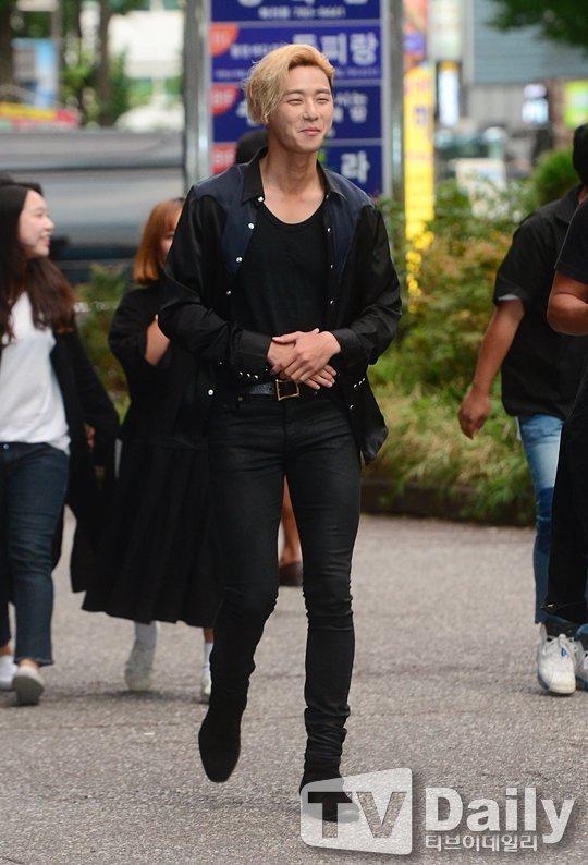 2 157 - 단 두 장의 종방연 기사 사진으로 댓글 이천 개 넘게 달렸던 배우