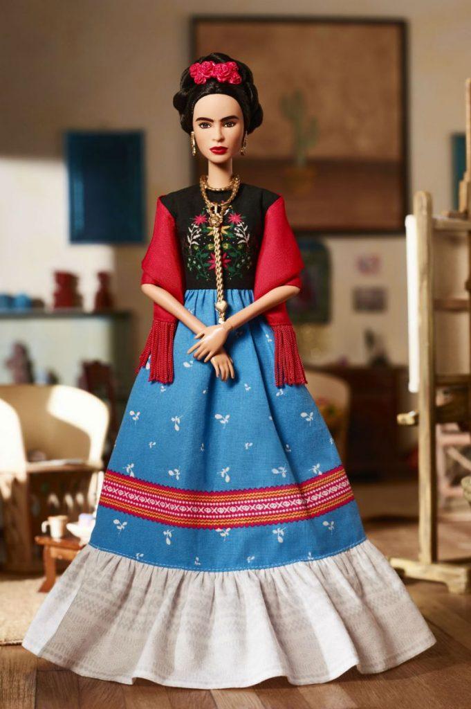 barbie frida kahlo 0318 1400x2107 681x1024 - Barbie lança bonecas inspiradas em ícones femininos que fizeram história
