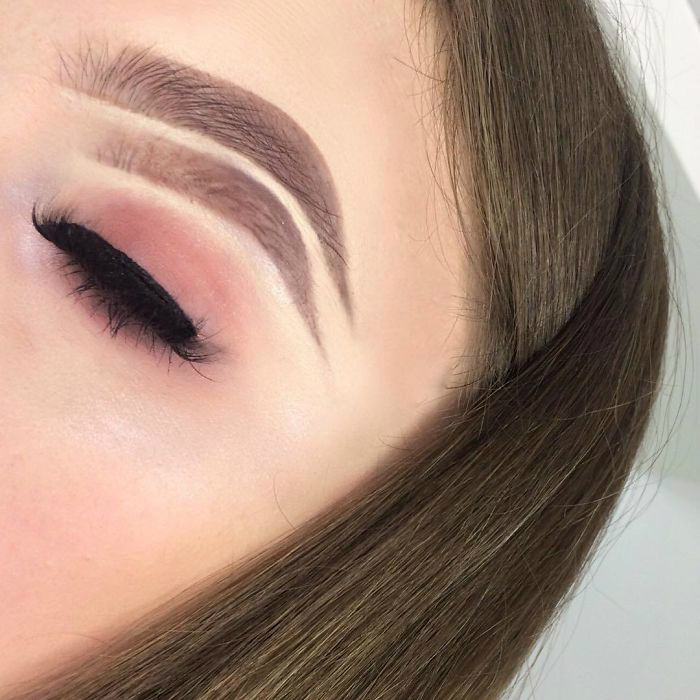 bbaitnibo2c 1 png  700 - 16-Year-Old Beauty Blogger Creates New Trend With Halo Brow