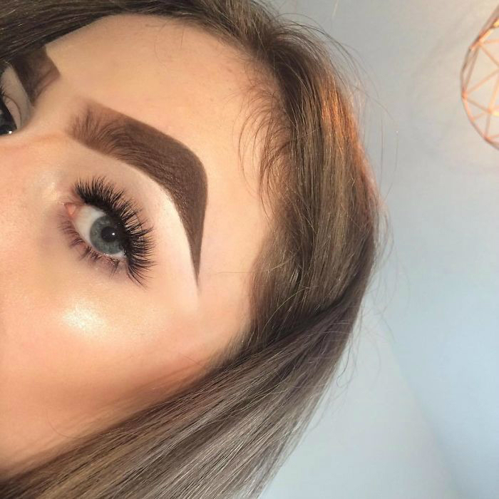 bzb0mtth2w9 1 png  700 - 16-Year-Old Beauty Blogger Creates New Trend With Halo Brow