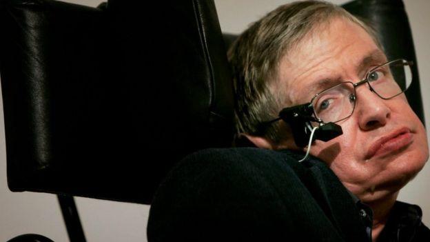 img 5aa938bf84cdd - Murió Stephen Hawking a sus 76 años y así lo homenajearon en las redes