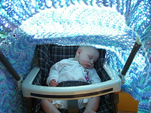 never-cover-your-stroller-with-a-blanket-2