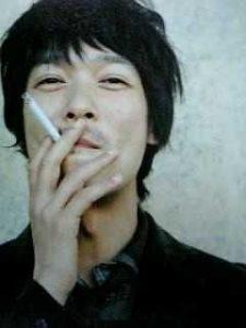 「堺雅人 タバコ」の画像検索結果