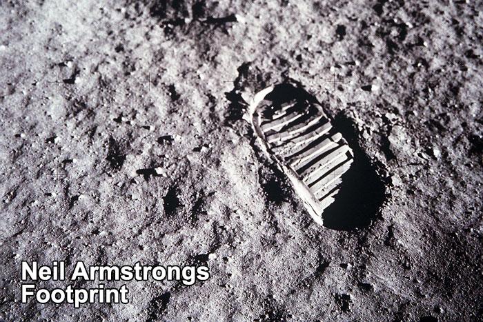 neil-armstrong-moon-walk-2